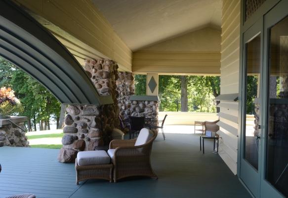 LR Side Porch 061.jpg