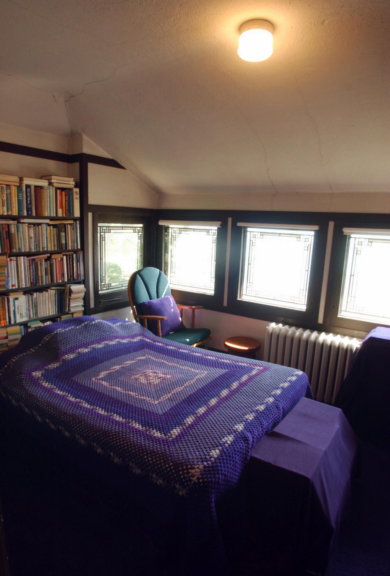 Bedroom 023.jpg