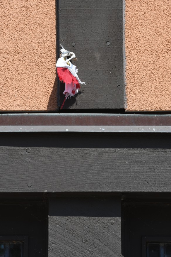 Hardy House Flag Theft 004.jpg